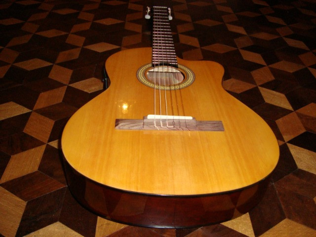 Guitarras com caixa - Foto 2