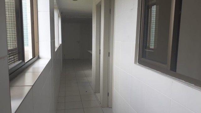 Luxuoso apartamento para venda com 200 metros quadrados com 4 quartos no Parnamirim - Foto 9