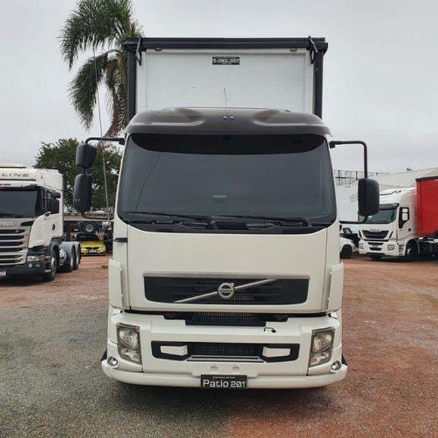 Caminhão Truck Volvo Vm260 6x2 Carroceria Sider 2011 Vm 260 #Com Sinal De R$23.000,00 - Foto 2