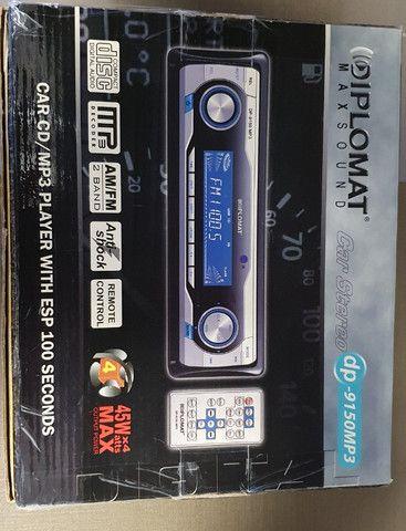 Auto rádio/CD Player AM/FM/MP3 marca Diplomat modelo dp-9150MP3
