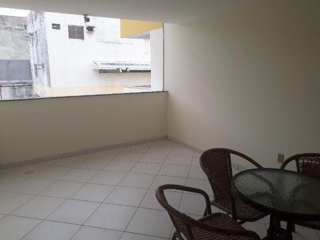 Lindo Apartamento de 3 Quartos Totais na Dorival Caymi Itapuã - Foto 9