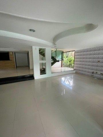 Casa com suítes, área de lazer completa, piscina privativa e 5 vagas. - Foto 10