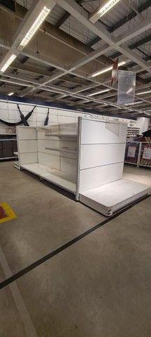 Gôndolas de centro e parede, checkout, cestos aramados usados - Foto 2