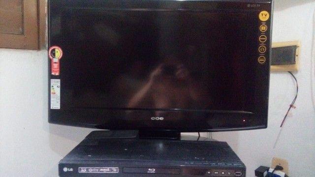 """Vendo TV 32"""" e um Blueray. R$ 400 - Foto 3"""