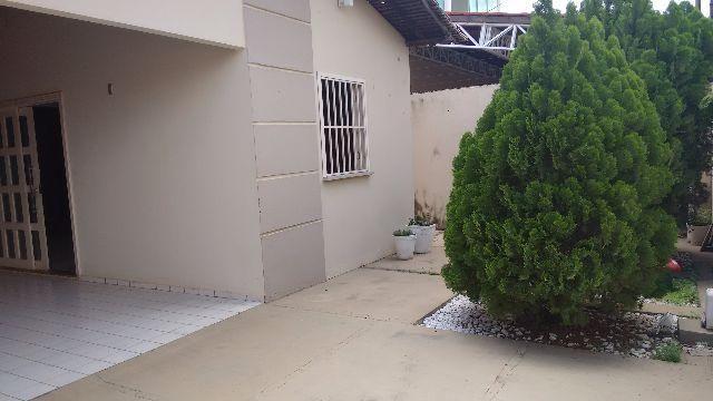 Casa prox da Faete com 3 Q. sendo 1 suíte, área de lazer com piscina, financia