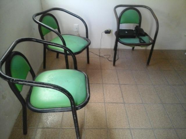 3 Cadeiras de Ferro