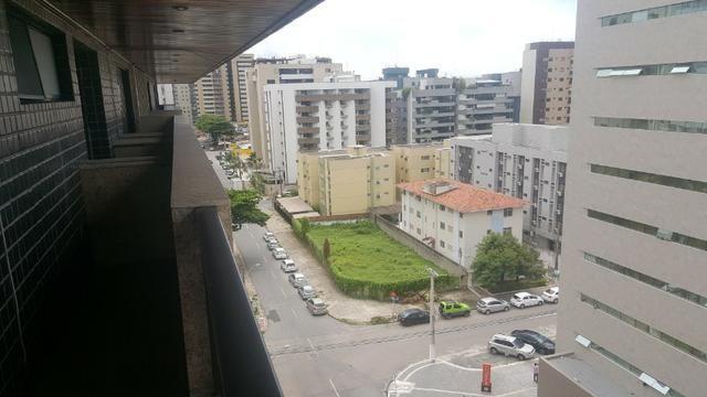 3 anos de condomínio free, cobertura com 450m2 na ponta verde - Foto 10