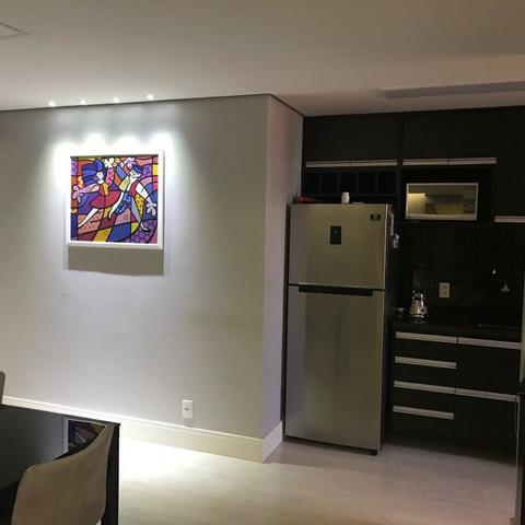 Lindo apartamento mobiliado e duas vagas de garagem - Foto 8