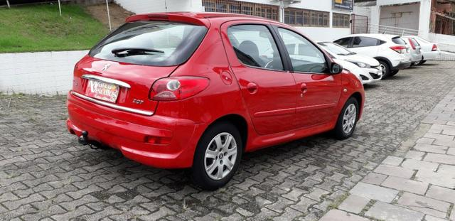 Peugeot 207 xr 1.4 ano 2011 completo - Foto 5