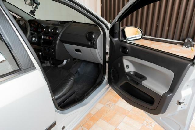 Ford Fiesta 4 portas FLEX ano 2008/2009 - Foto 11