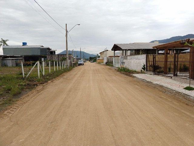 Terreno pronto para construir, Rua sendo calçada!!! Morretes Itapema - Foto 2