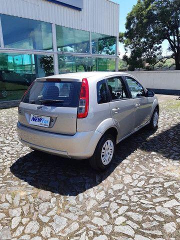 Fiesta Hatch 1.6 - Completo - Foto 9