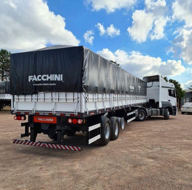 Caminhão Mb 2544 2015 6x2 + Carreta Facchini Graneleira 2020 - Foto 2
