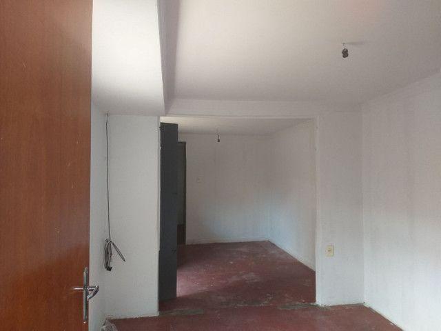 Casa em Campinas c/ 3qts + barracão 4 comodos - Foto 5