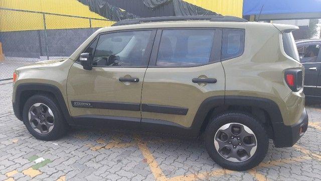 Jeep Renegade Sport 1.8 automático, 2º dono, novíssimo, vist 21 - Foto 4