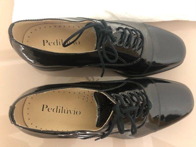 Sapato Social em verniz 38 zerado Pediluvio - Foto 2