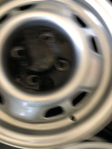 Jogo de rodas de Chevette DL com calotas originais - Foto 3