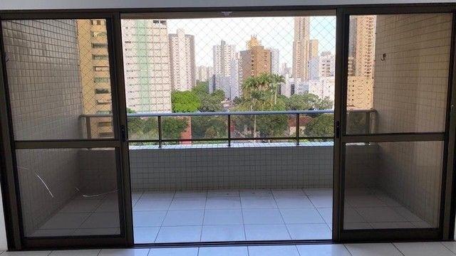 Luxuoso apartamento para venda com 200 metros quadrados com 4 quartos no Parnamirim - Foto 2