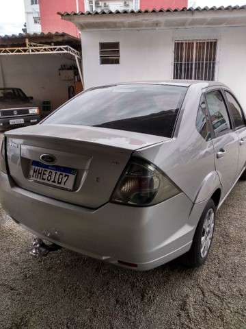 Fiesta class sedan 1.6 2011 - Foto 5