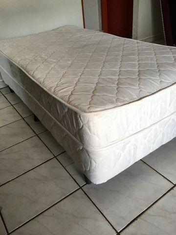 Vende-se cama de solteiro de mola