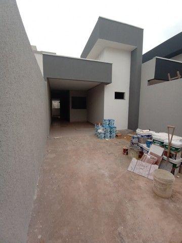 Casa para venda possui 93 metros quadrados com 3 quartos em Parque Oeste Industrial - Goiâ