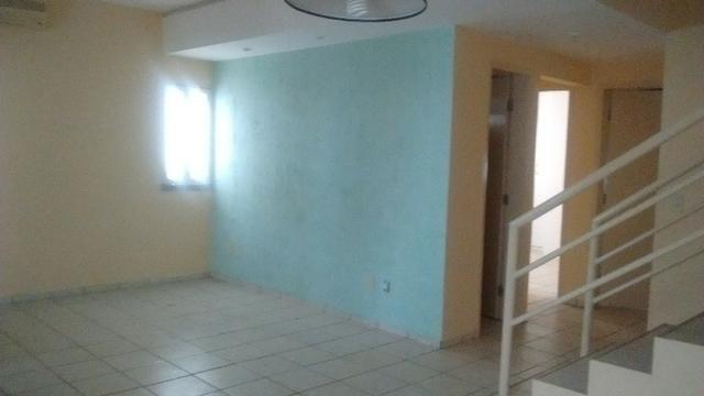 Casa Duplex com 4 quartos em condominio