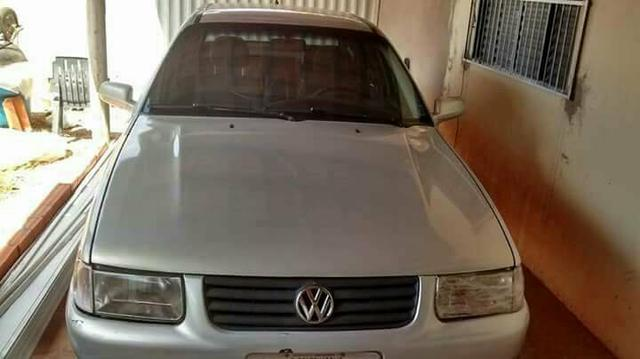 Vendo ou troco por carro de maior valor Santana 2000