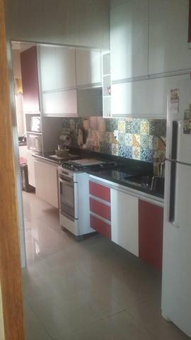 LINDO apartamento de 3 quartos em Jardim Camburi.
