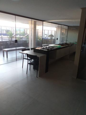 Apartamento Farol três quartos novos - Foto 2