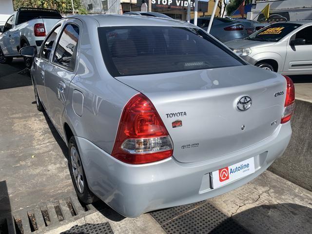 Etios 1.5 X Sedan 2014 - Foto 3