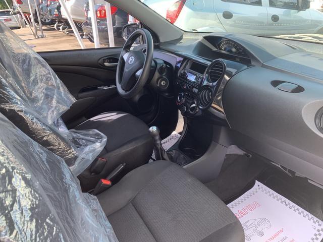 Etios 1.5 X Sedan 2014 - Foto 4