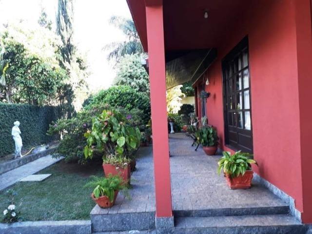 Sobrado estilo colonial com Amplo terreno para quem quer morar om Qualidade de vida - Foto 4