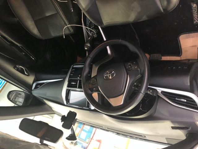 Toyota Yaris 1.5 Hatch 2019 + Kit de GNV novo Tabela fipe - Foto 3