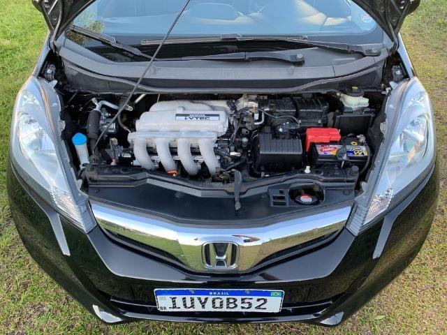 Honda Fit automático - Estado impecável - Foto 9