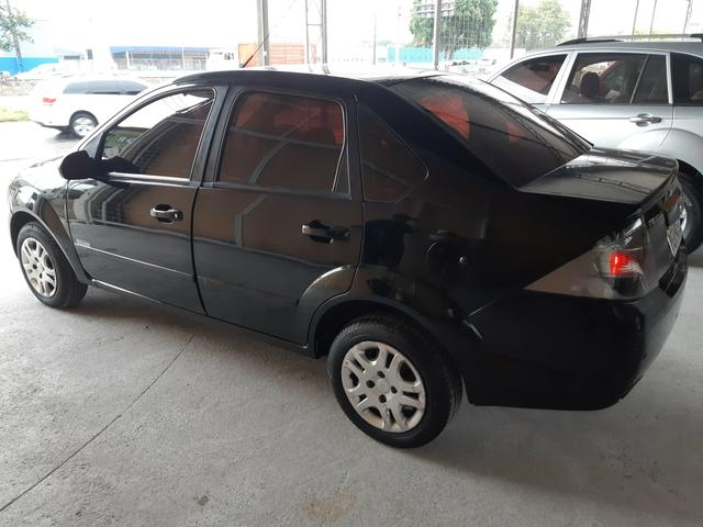 Fiesta Class 1.6 Sedan 2012 - Foto 3