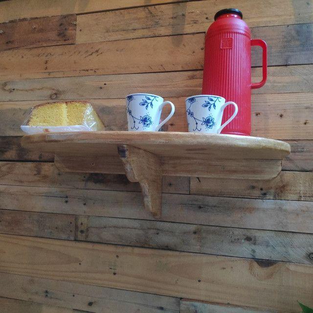 Suporte de madeira rústica para cantinho do café - Foto 2