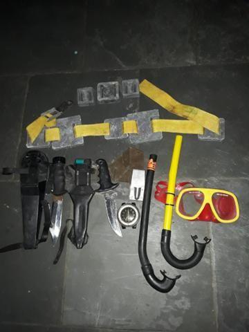 Roupa e equipamento de mergulho tamanho médio - Foto 3
