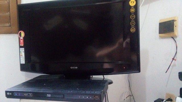 """Vendo TV 32"""" e um Blueray. R$ 400 - Foto 2"""