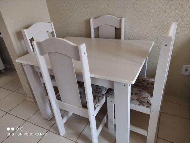 Mesa 4 cadeiras semi nova