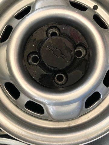 Jogo de rodas de Chevette DL com calotas originais - Foto 4