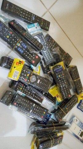 Vendemos controles de Tv e Ar condicionado - Foto 3