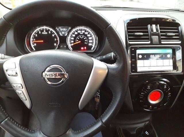 is - Nissan versa 2017  - Foto 5