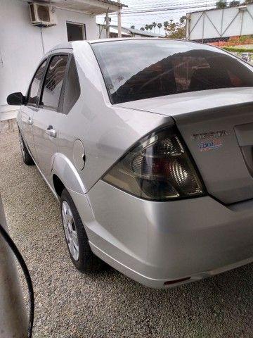 Fiesta class sedan 1.6 2011 - Foto 6