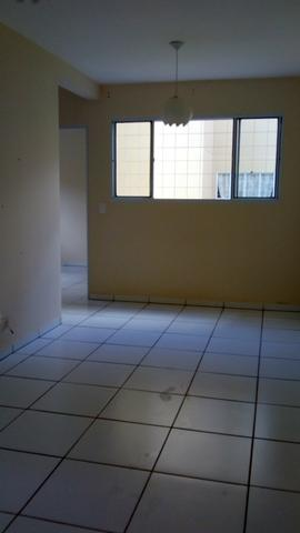 Alugo apartamento térreo