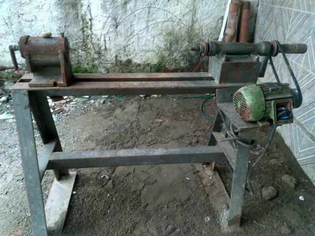 Máquina de torno para madeira