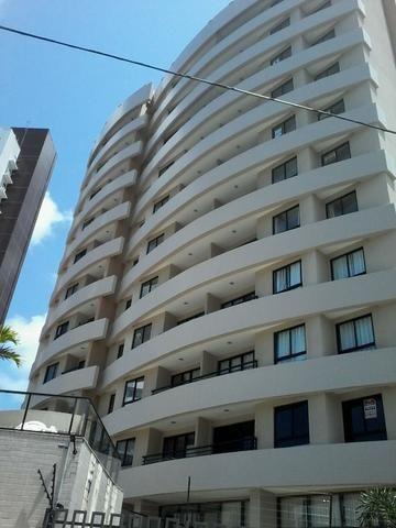 Edifício Residencial Cozumel em Candelária - 2 quartos sendo 1 suíte