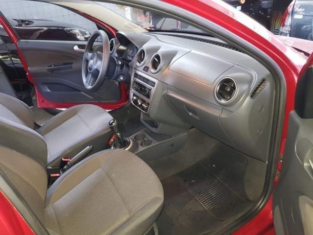 Volkswagen Voyage 1.6 8V FLEX 4P MANUAL 4P - Foto 8