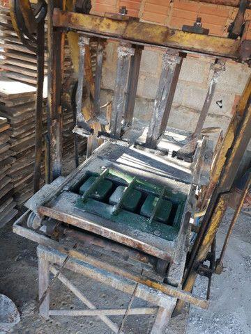 Vendo maquina de fazer blocos de concreto - Foto 3