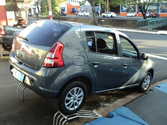 Imperdível!!! Sandero 1.0 Flex - Oferta!!! - Foto 2