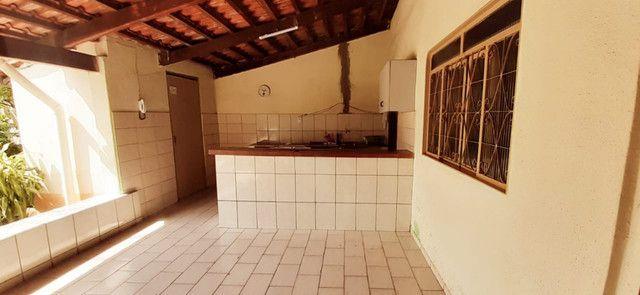 Ótima casa, com sala comercial e barracão - Foto 18